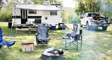 Riverfront Campground & Canoe