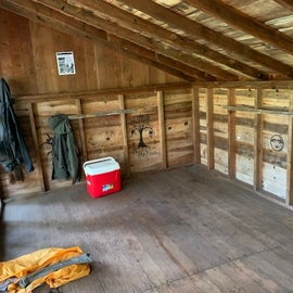 Inside of shelter - nice and dry!