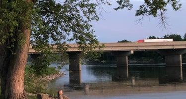 Hunt's Cedar River Campground