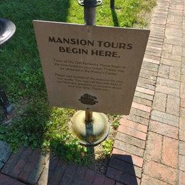 Mansion Tour Meet Up Spot outside of the front door.