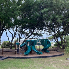That's the ocean just behind the playground!