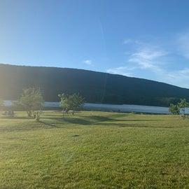 lakeside 😎