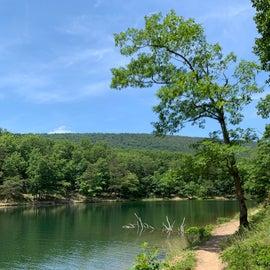 lakeside loop trail