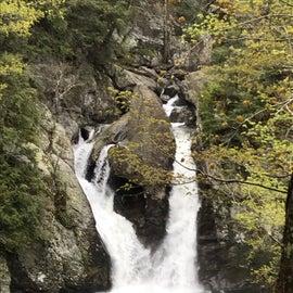 hike to falls