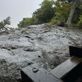 many close hikes to the edge, very dangerous!