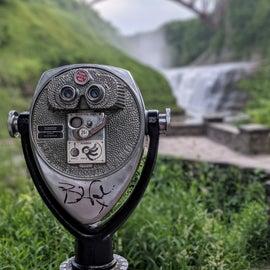 Love these old school binoculars.