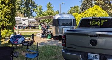 Harmony Lakeside RV Park & Deluxe Cabins