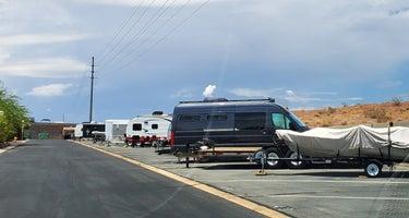 Boulder Oaks RV Resort