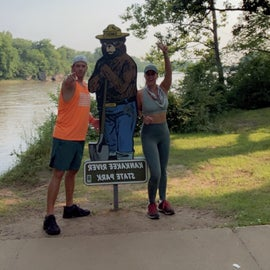 capture a pic with Smokey the bear