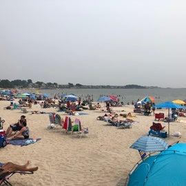 Rocky Neck Beach Area