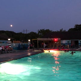 Main pool on a Thursday night in July.  A DJ was there both Thursday and Friday nights.