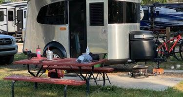 A. B Camping