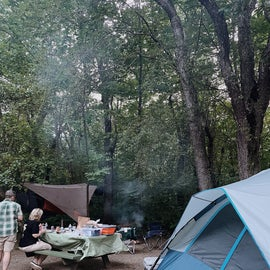 Site 9 with a 6-person tent and 2 hammocks