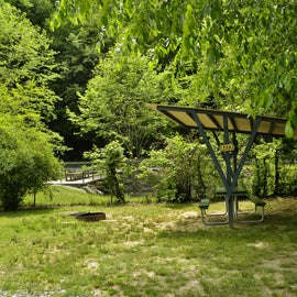 This site has a covered picnic area.