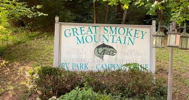 Great Smoky Mountain Fish Camp and Safaris Campground