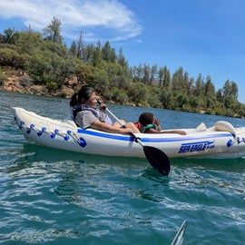 kayaking the clear blue waters of lake Whiskeytown