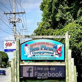 Sea Pirate Campground - Sign