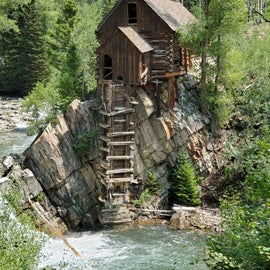 Ten mile hike to iconic Crystal Mill. Get a jeep tour if possible.😎