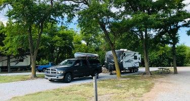 COE Harlan County Lake Hunter Cove Park