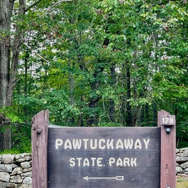 Entrance sign for Pawtuckaway State Park