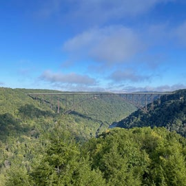 site is 2 minutes away from this beautiful overlook hike