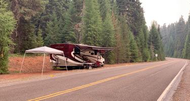 Historic Clackamas Ranger Station - Dispersed Camping - Roadside