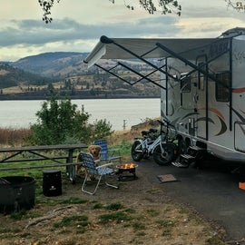 Over looking the Columbia River.